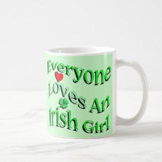 Cada uno ama a un chica irlandés taza de café