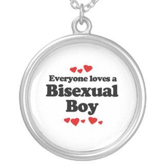 Cada uno ama a un muchacho bisexual pendientes