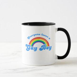 Cada uno ama a un muchacho gay