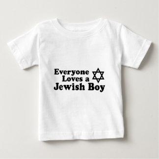 Cada uno ama a un muchacho judío playera de bebé
