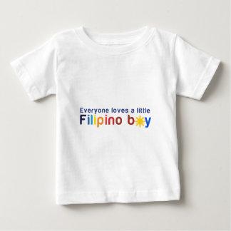 Cada uno ama a un pequeño muchacho filipino playera de bebé