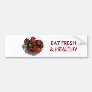 Cada uno ama un cuenco fresco de fresas pegatina de parachoque