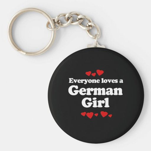 Cada uno ama una camiseta alemana del chica llavero redondo tipo pin