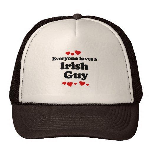 Cada uno ama una camiseta irlandesa del individuo gorras de camionero