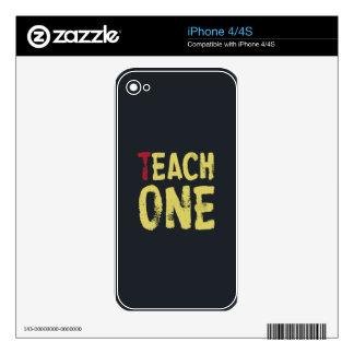 Cada uno enseña a uno calcomanía para el iPhone 4