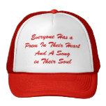Cada uno tiene un gorra del poema