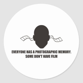 Cada uno tiene una memoria fotográfica pero ningu pegatina redonda