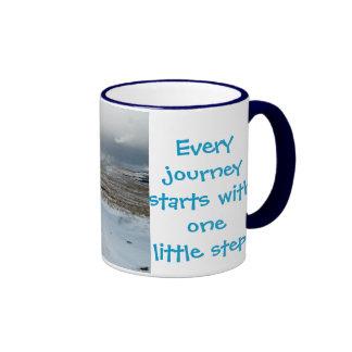 Cada viaje comienza .............. tazas de café