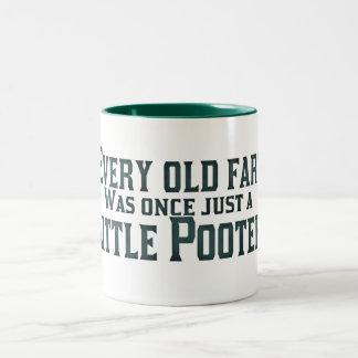 Cada viejo Fart era una vez apenas un pequeño Taza De Dos Tonos
