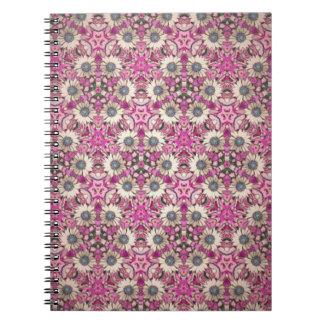 Cadenas de margaritas spiral notebook