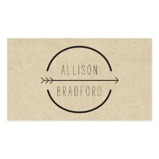 Cadera y logotipo rústico de la flecha en la cartu plantilla de tarjeta de negocio