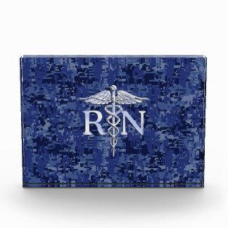 Caduceo del RN de la enfermera registradoa en los