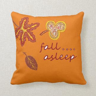 Cae la almohada de tiro dormida