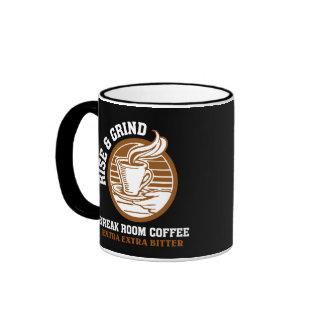 Café amargo adicional para los empleados taza de dos colores