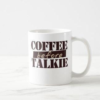 Café antes de la película hablada taza básica blanca