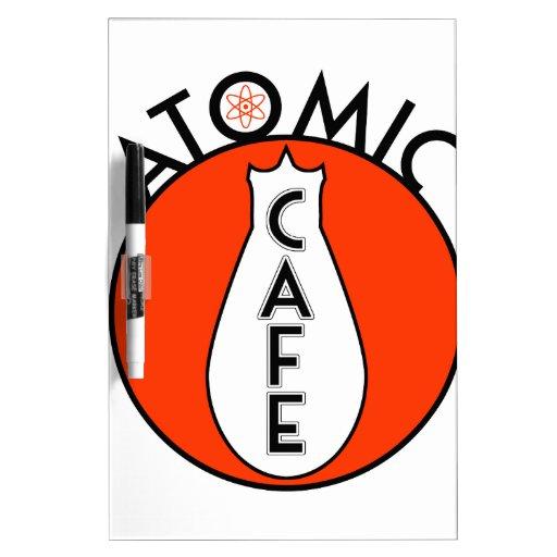 Café atómico pizarra blanca