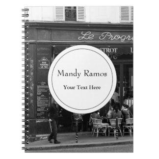 Café blanco y negro en Montmartre, París Notebook