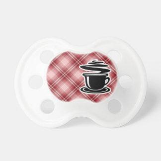 Café caliente de la tela escocesa roja chupetes para bebés