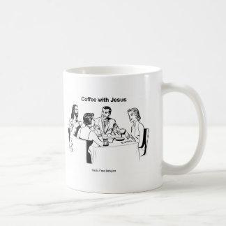 Café con la taza de los caracteres de Jesús