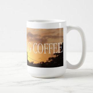 Café de la buena mañana: Amanecer de oro con las n Taza