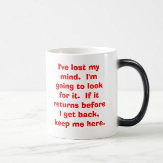 Café de la mañana con una torsión taza de café