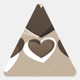 Café del arte el   del corazón para dos pegatina triangular