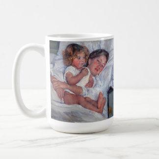café: desayuno del cassatt en la cama 2 taza básica blanca