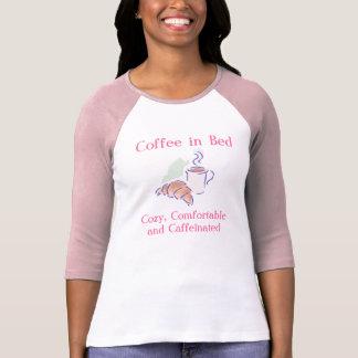 Café en cama, acogedor, cómodo y Caffein… T-shirts