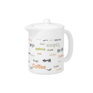 Café en la cafetera de muchas idiomas - naranja