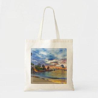 Café en la playa tropical en la puesta del sol bolsa tela barata