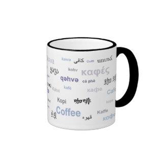 Café en los otros idiomas (púrpuras/gris) taza de dos colores