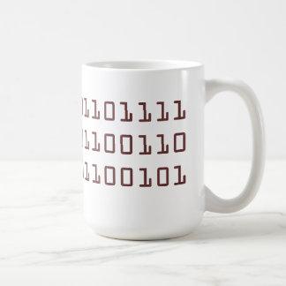 Café escrito en taza del código binario