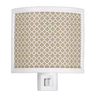 Cafe Latte White Quatrefoil Night Light
