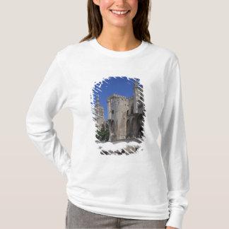 Cafe, Le Palais des Papes, Avignon, Vaucluse, T-Shirt