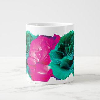 ¡Café o té en los rosas tres! Taza Grande