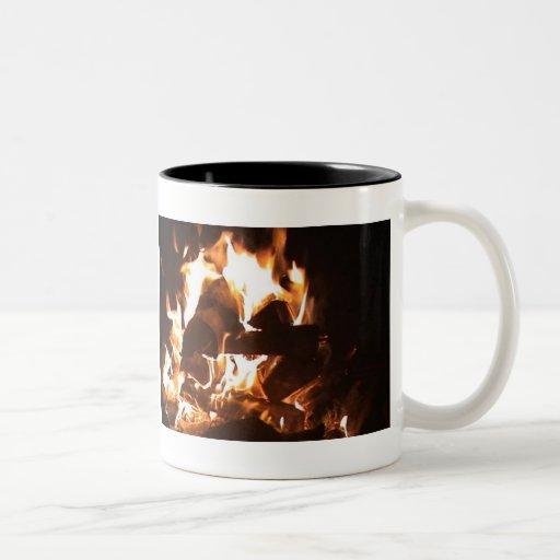 café por el fuego taza de dos tonos