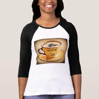 Café rápido de la taza camiseta