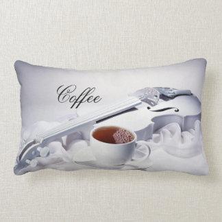 Café y almohada de los violines