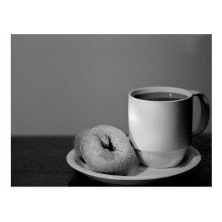 Café y anillos de espuma postales
