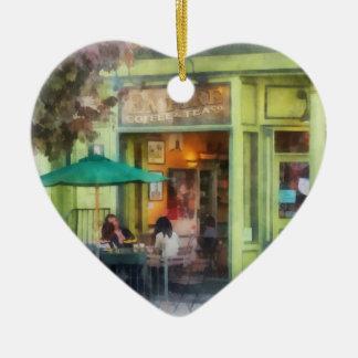 Café y té del imperio adorno navideño de cerámica en forma de corazón