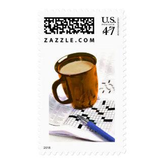 Café y un crucigrama estampilla