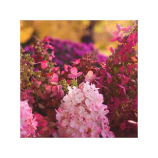 Caída asombrosa floral impresión en lona estirada