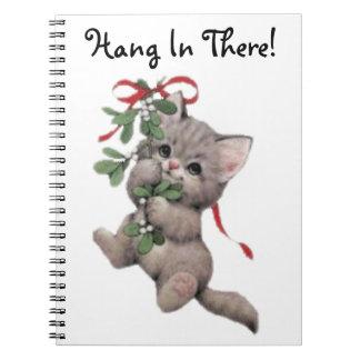 Caída en allí gatito del muérdago cuaderno