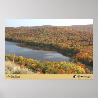 Caída en el lago de las nubes - montañas del puerc póster