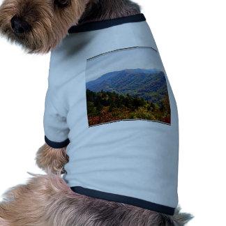 Caída en el Smokys Camisas De Mascota