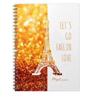 Caída en la torre Eiffel romántica de París el | Cuaderno