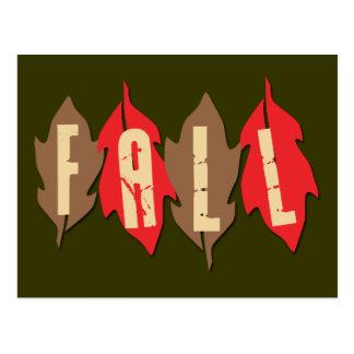 Caída en las hojas postal