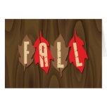 Caída en las hojas tarjeta