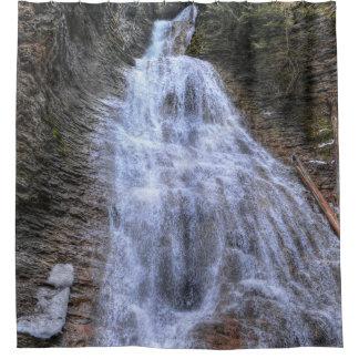 Caída escénica del agua de la naturaleza de las cortina de baño