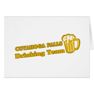 Caídas de Cuyahoga que beben las camisetas del equ Tarjeta